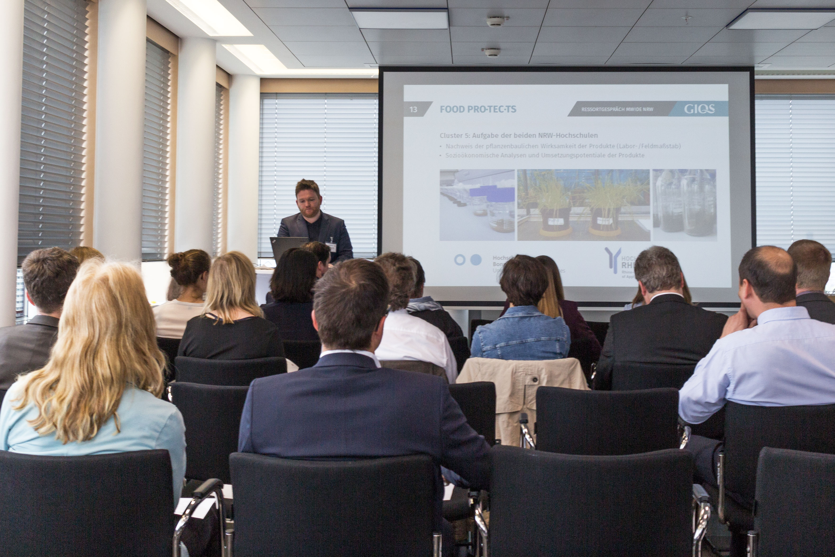 Presentatie in het Ministerie van economische zaken NRW